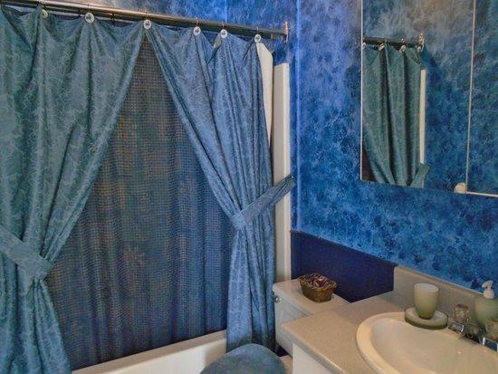 B&B l'Abat-Jour: Salle de bain privée / Private bathroom