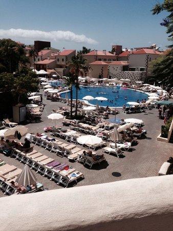 GF Isabel : Pool area