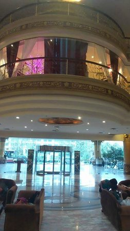 Pacific Palace Hotel: Hotel lobby