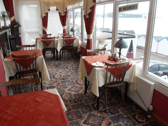 The Torbay Sands Hotel: breakfast room with sea views
