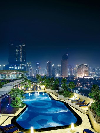 Hotel Indonesia Kempinski: Sky Pool Bar