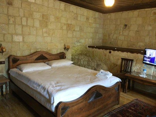 Kemerhan Cave Suites: Bedroom