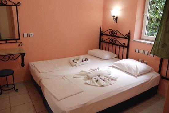 Eden Garden Apartments: Bedroom. 2 Single bed to 1 double bed
