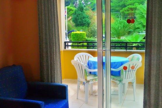 Eden Garden Apartments: Balcony