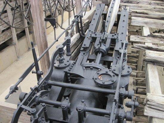 U.S.S. Cairo Museum: Engine
