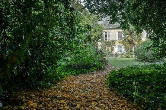 Manoir de Bellauney: côté parc