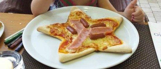 Agliolio : Kids pizza for my daughter :)