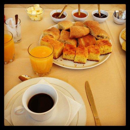 Riad La Croix Berbere De Luxe: petit déjeuner sur la Terrasse
