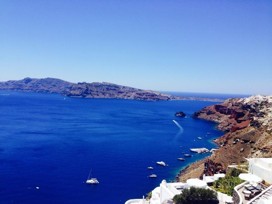 Absolute Bliss Imerovigli Suites: Picture taken on hike to Oia