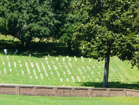 Vicksburg National Cemetery: View of the cemetery