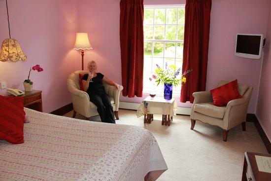 Knipoch Hotel: Suite Bedroom