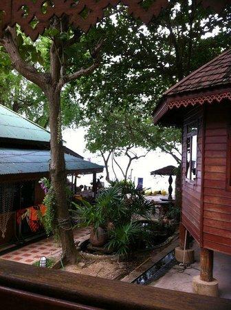 Vongdeuan Resort: Balcony