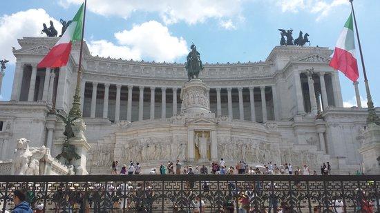 Piazza Venezia : Vue exterieur