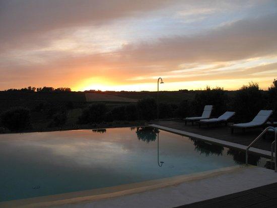 La Foresteria Planeta Menfi: la piscina al tramonto