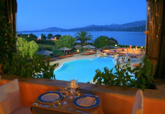 Resort Cala di Falco : Großer Pool