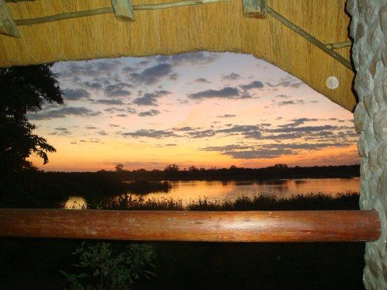 Nunda River Lodge: Sonnenuntergang auf der Terrasse