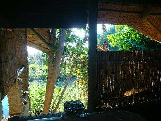 Nunda River Lodge: Blick aus dem Badezimmer (kann auch geschlossen werden)