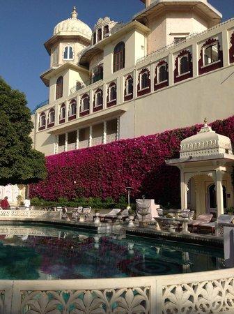 Shiv Niwas Palace: Piscina