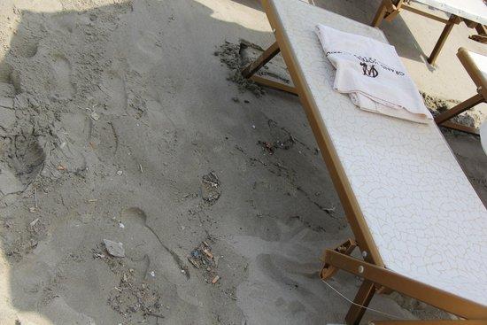 Grand Hotel Alassio : плохо убирают пляж, грязно