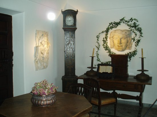 Villa San Michele : 美術品と調度品
