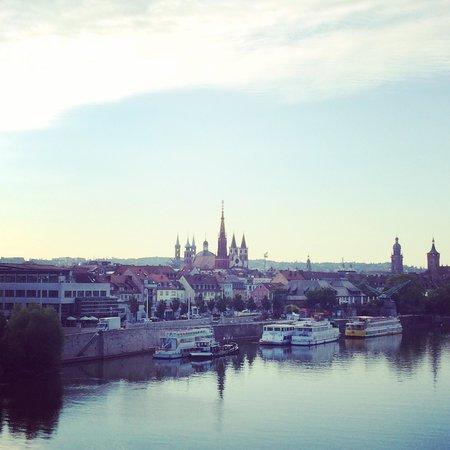 Mercure Hotel Wuerzburg am Mainufer : Unforgettable view!