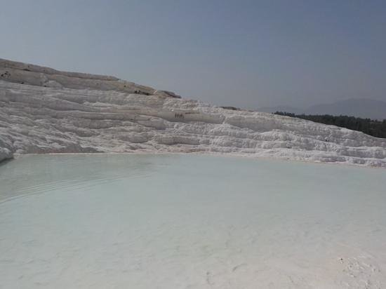 Pamukkale Thermal Pools : an empty pool to ourselves