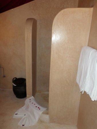 Les Jardins d'Issil: Salle de bain :)