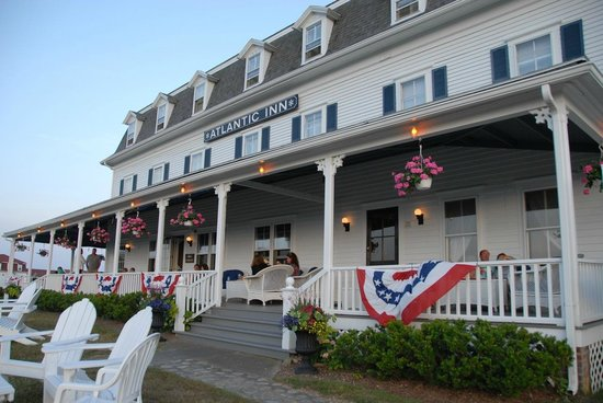 The Atlantic Inn: Front of Atlantic Inn