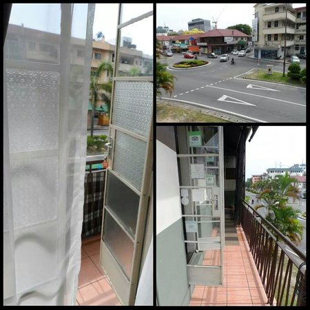 Borneo Backpackers: The balcony just outside my room