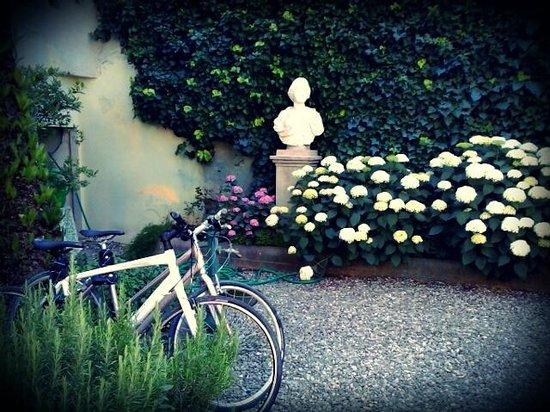 Villa Theresa Bed & Breakfast: Giardino