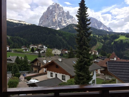 OLYMPIC APPARTEMENTS (Val Gardena, Italy) - Guesthouse Reviews, Photos    Price Comparison - TripAdvisor 42dd31201cfb