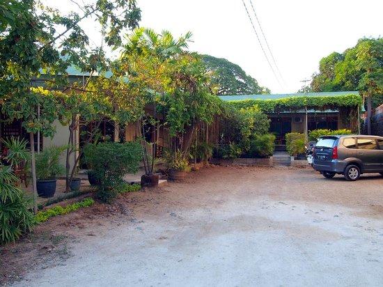 Maliana Hotel: From the front entrance at Maliana