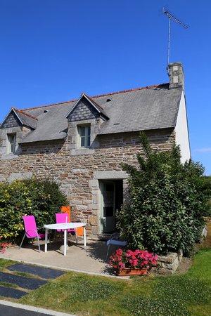 Gites et Chambre d'hotes de lanjulien : Gite no.2 our home for 2 weeks