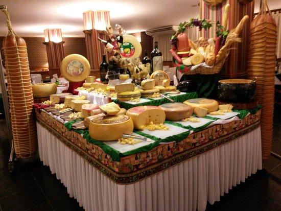 Restaurante Bella Tavola: Mesa de queijos