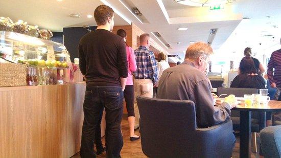 Tallinn Seaport Hotel: очереди