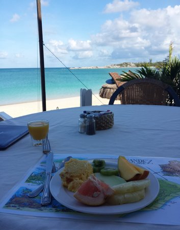 Fernandez Bay Village: Breakfast at the Bay