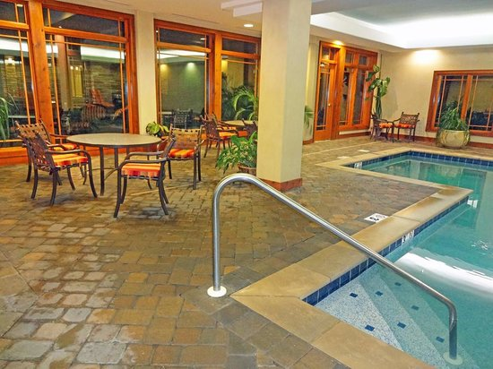 Hilton Garden Inn Gatlinburg Downtown : Pool Area