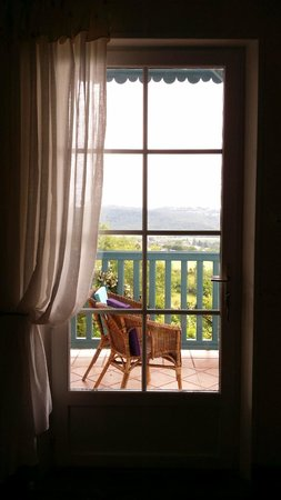 Maison Olea : View of the valley below