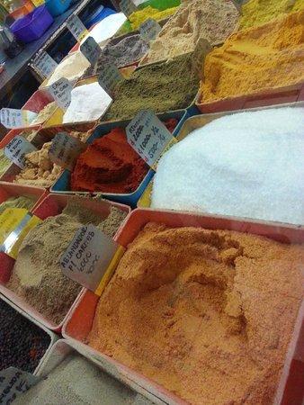 Central Market (Mercado Central): Spices