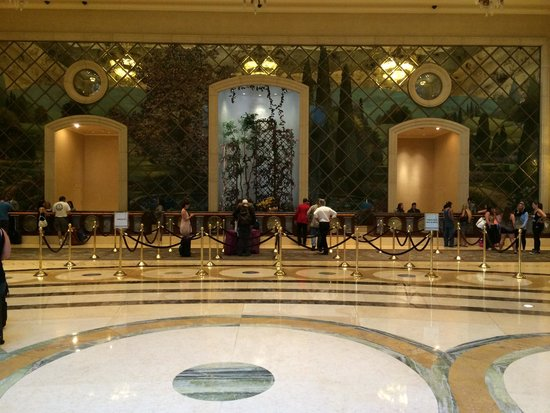 The Palazzo Resort Hotel Casino : loby. check-in and check-out