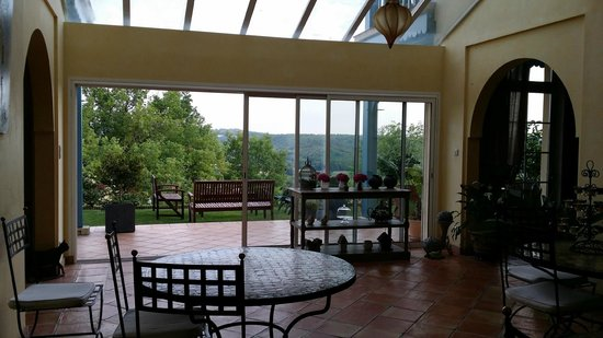 Maison Olea : The family/dining area (there is also a living room with a great tv)