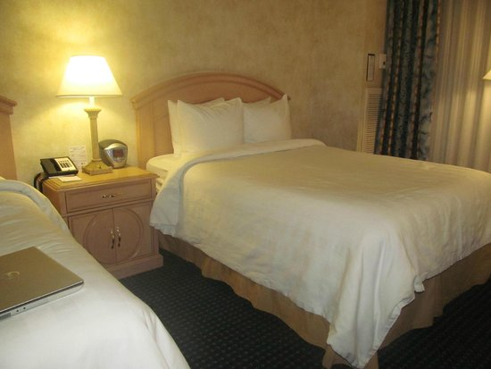 Crowne Plaza Los Angeles - Commerce Casino: bed