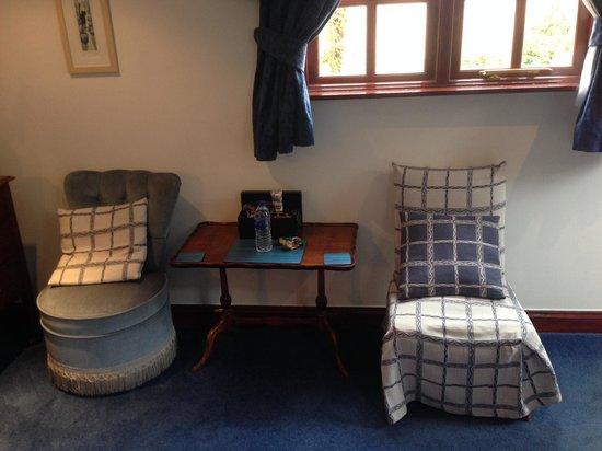 Holbeck, UK: Room 3 pleasant sitting area.