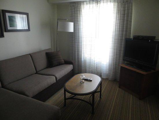 Residence Inn Poughkeepsie: Spacious suite