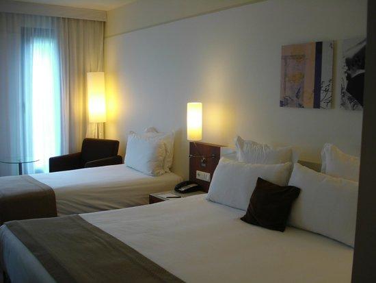 Meliá Luxembourg: Großes Drei-Bett-Zimmer