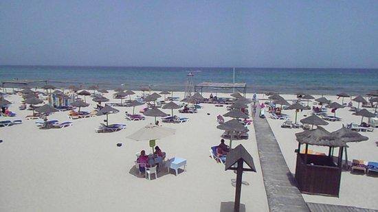 Marhaba Beach Hotel: The beach