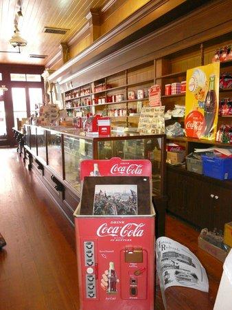 Biedenharn Coca-Cola Museum: Shop area
