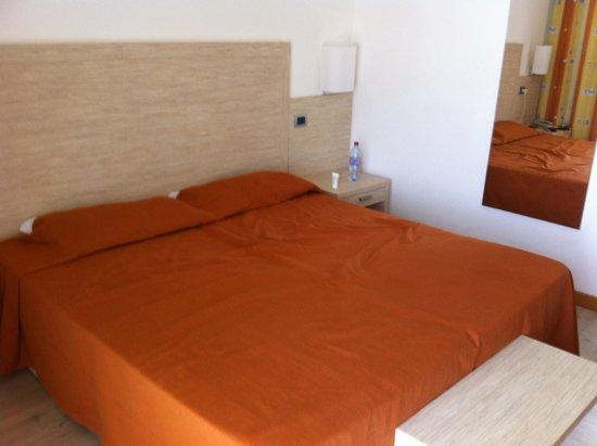 Menfi Beach Resort : La chambre