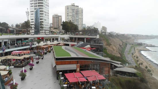 Malecón de Miraflores: Miraflores Boardwalk