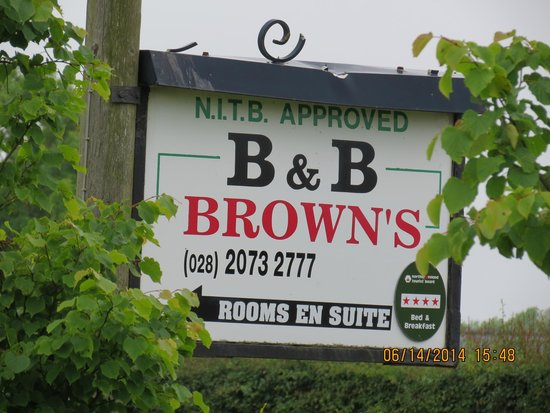 Brown's Country House Bed and Breakfast: The sign to the Best B&B